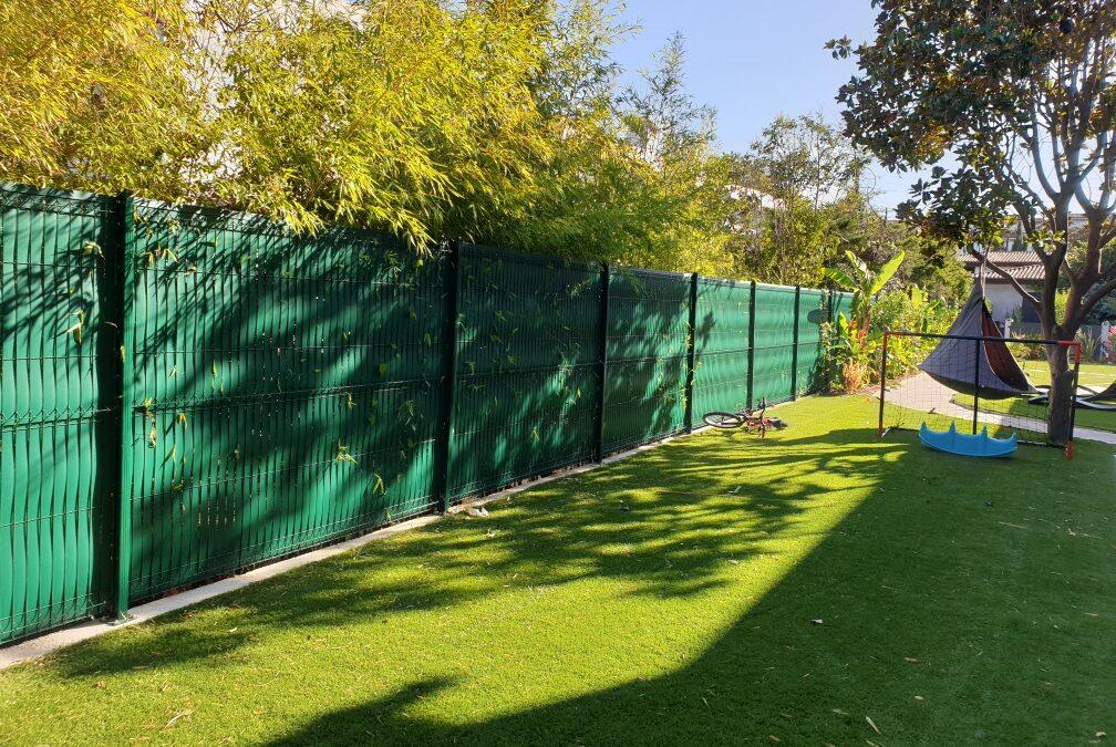 Délimiter son jardin avec du grillage rigide : Quels avantages ?