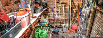 Les outils essentiels pour entretenir son gazon