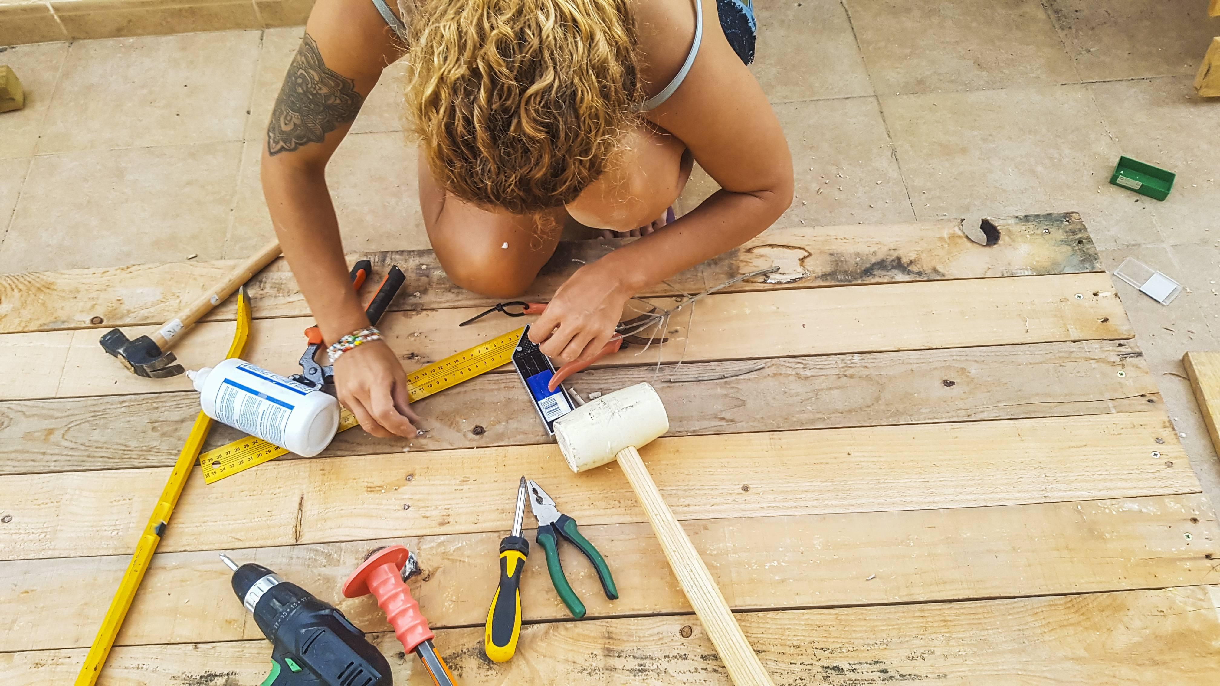 construire terrasse jardin palettes en bois