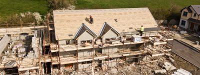 Faire appel à un artisan couvreur pour la toiture de votre maison